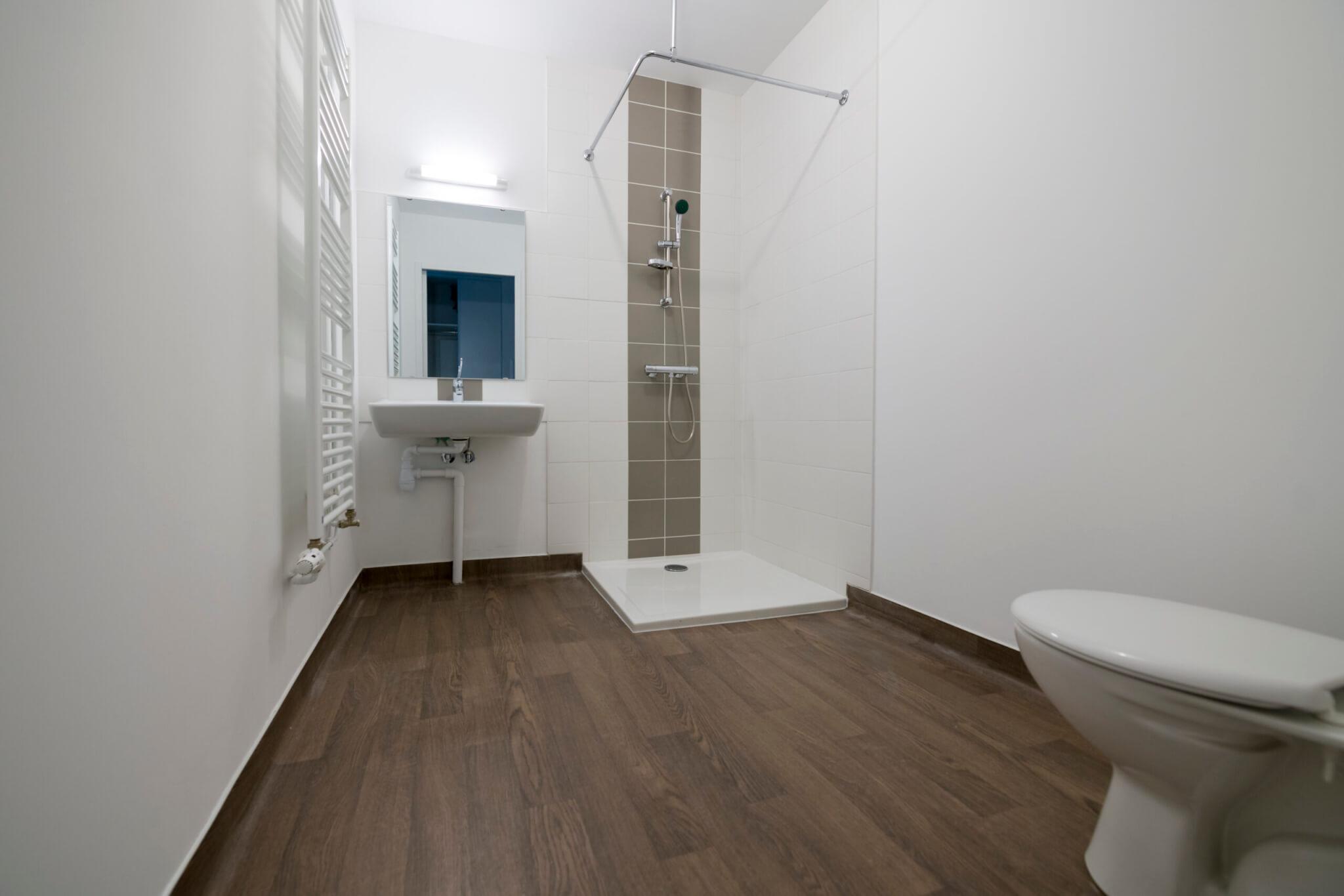 AAP_Logiest Pompey_salle de bain douche finie