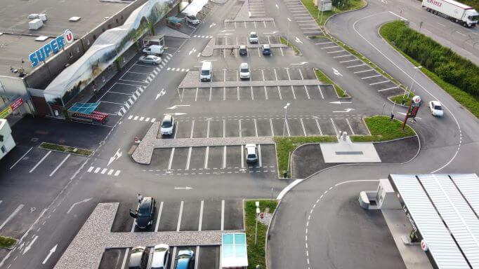 Parking de face